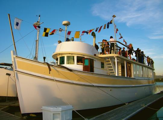 Emeryville Luxurious Bed And Breakfast On A Yacht For Sale