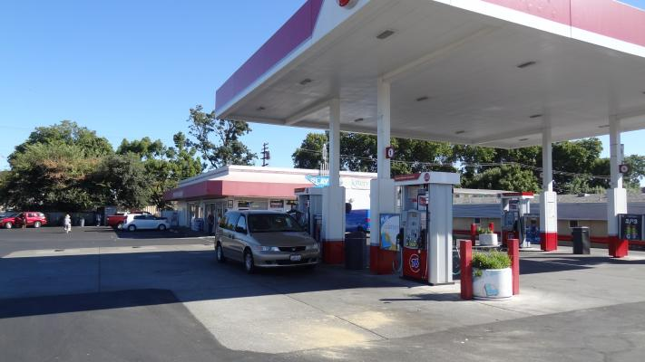 West Sacramento Branded Gas Station, C-Store, Hard Liquor License For Sale