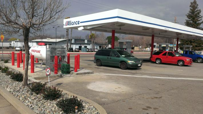 Anderson  Gas Station With Foodmart For Sale