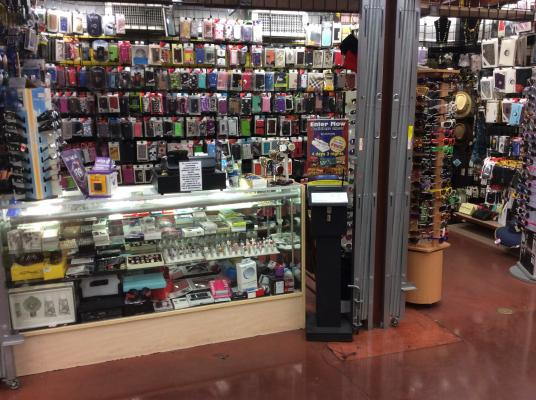 Southern California Cellphone Covers, Accessories, Sunglasses Store For Sale