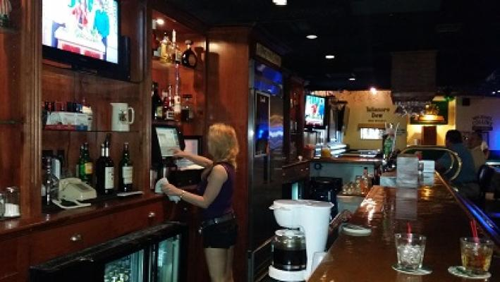 Los Angeles County Irish Pub with Full Cocktails Pool Tables Games For Sale