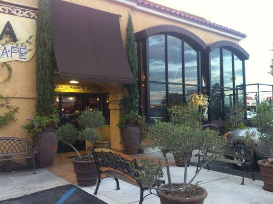 West Orange County Restaurant Beauty Mediterranean - Can Convert For Sale