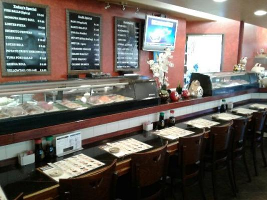 San Fernando Valley, LA County Sushi Japanese Restaurant For Sale