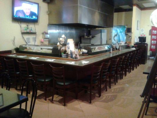 Southwest San Fernando Valley Japanese Sushi Bar Restaurant For Sale
