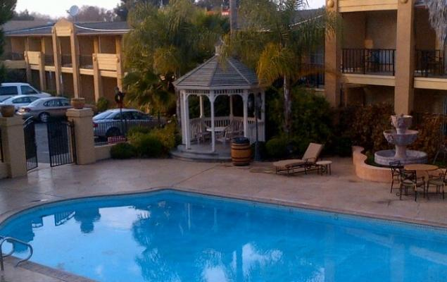 Vallejo Howard Johnson Inn And Suites For Sale