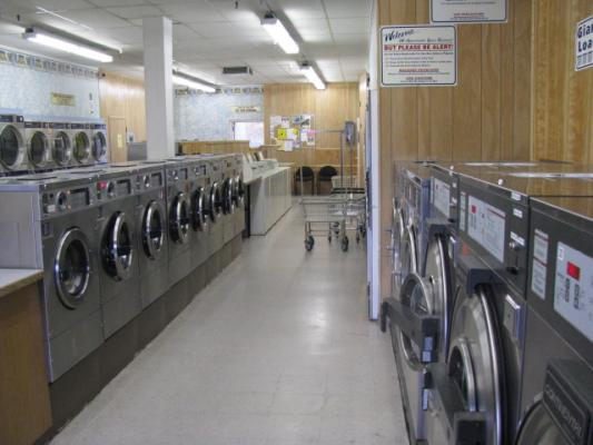 Sierra Nevada Foothills Laundromat With Wash And Fold, Dry Cleaning For Sale