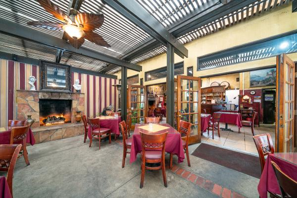 Bar Restaurant - Real Estate Business For Sale