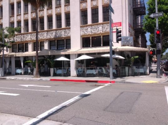 Beverly Hills, LA County Fine Dining Restaurant, 2 AM Liquor License For Sale