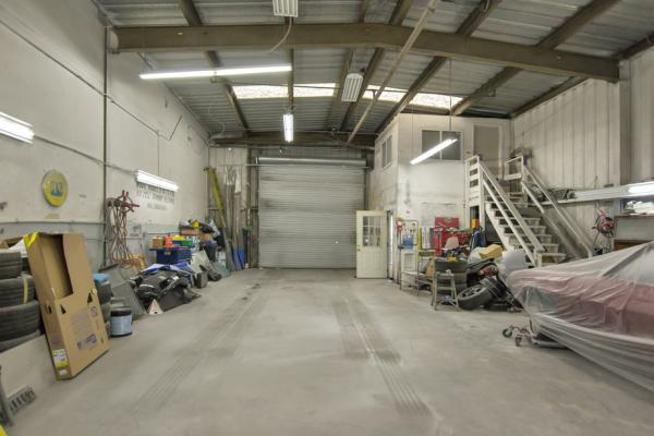 Auto Body, Auto Repair Shop With Real Estate Business Opportunity