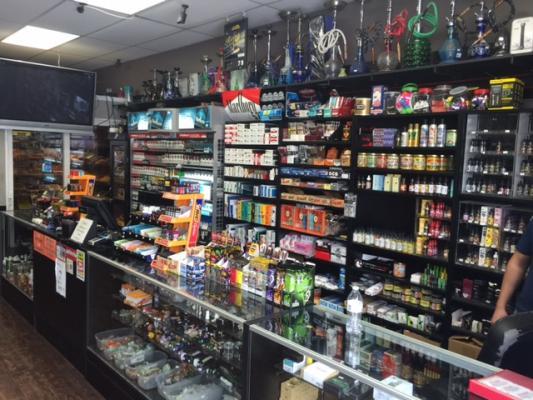 La Crescenta, Smoke Shop For Sale On BizBen