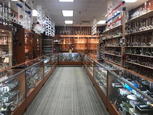 Sacramento Area Profitable Glass Pipe And Smoke Shop For Sale