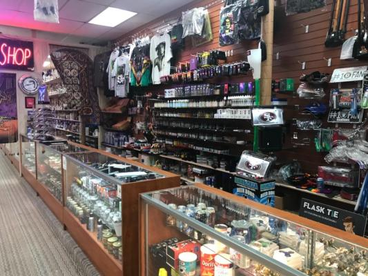 Profitable Glass Pipe And Smoke Shop Business For Sale