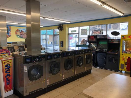 Sun Valley, Los Angeles Area Coin Laundry For Sale