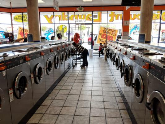 Los Angeles Modern Card Laundromat For Sale