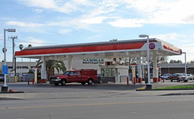 Hemet, Riverside County Gas Station, Snack Shop - With Real Estate For Sale