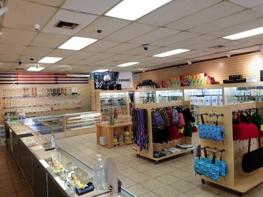 Inland Empire Area Retail Smoke Shop - Well Established, High Net For Sale
