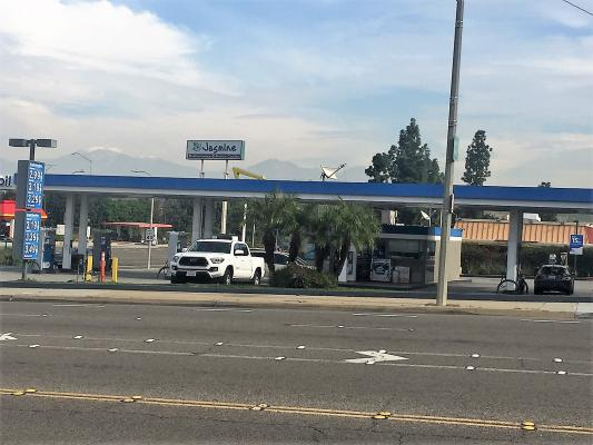 Los Angeles County Gas Station - Major Brand, Busy Area For Sale