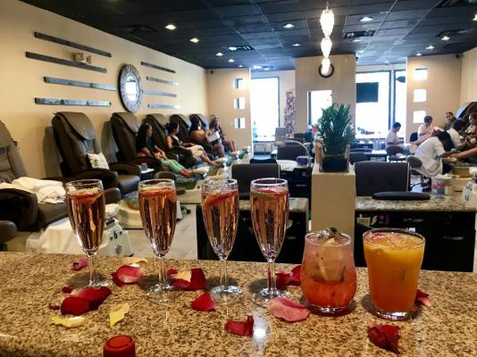 La Mesa, San Diego Area Nail Salon And Bar Day Spa For Sale