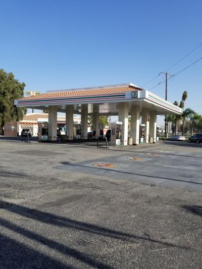 San Bernardino County 7-11 Convenience Store With Gas Station For Sale