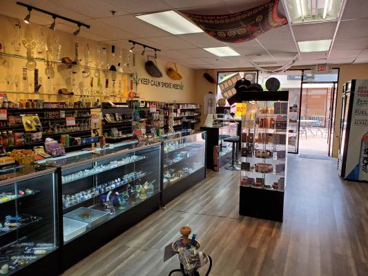Encino, Los Angeles County Smoke Shop - Well Established For Sale