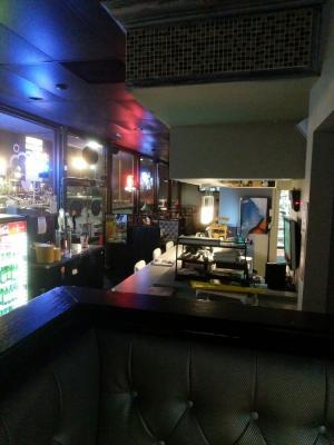 Orange County Pizza Restaurant Sports Bar With Beer And Wine For Sale