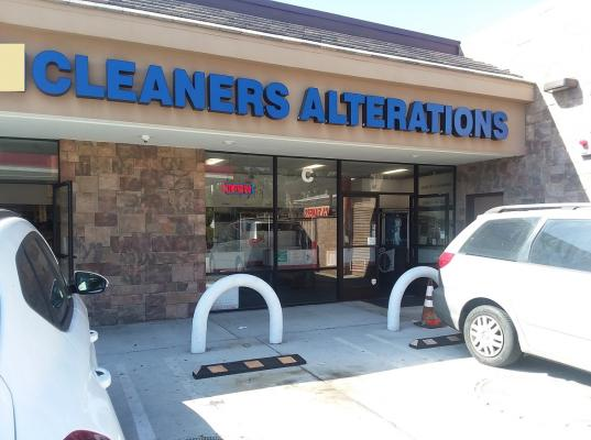 Tarzana, Los Angeles County Dry Cleaner Plant - Laundry Service For Sale