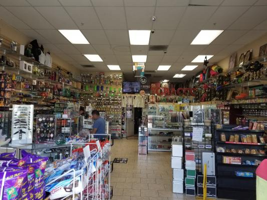 Compton, Los Angeles County Smoke Shop - High Net Profit, Semi Absentee Run For Sale