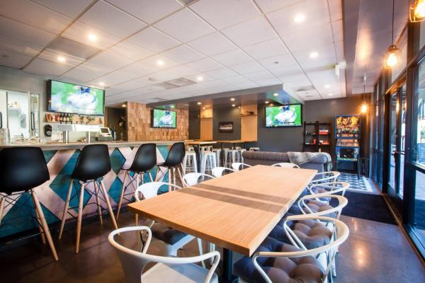 San Diego  Pub Tavern With Fusion Food Restaurant For Sale