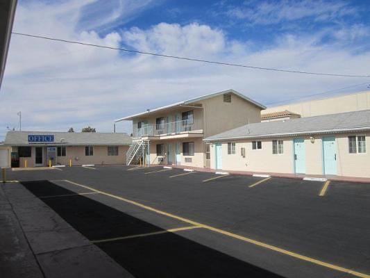 Ridgecrest, Kern County  Motel With Cafe For Sale