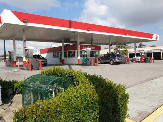 San Bernardino County Area 76 Gas Station - Great Location For Sale