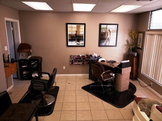 El Cajon, San Diego County Hair And Nail Salon For Sale
