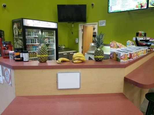 Orange County  Juice And Smoothie Kiosk - In Major Fitness Center For Sale