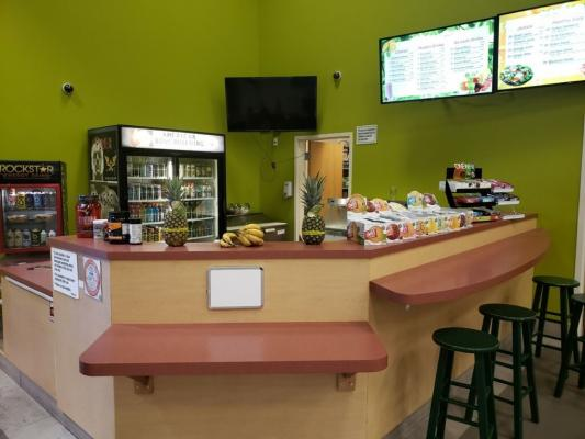 Juice And Smoothie Kiosk - In Major Fitness Center Business For Sale