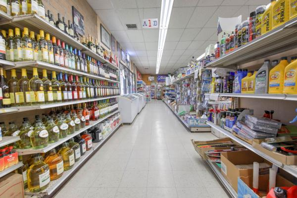 Sacramento, San Joaquin Delta Liquor Store Grocery Market Deli Real Estate For Sale