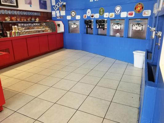 Huntington Beach Frozen Yogurt Shop For Sale