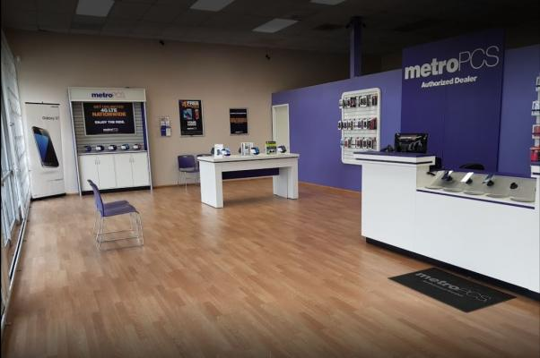 metro by t mobile store hours