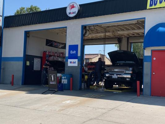 Bakersfield, Kern County Quick Lube For Sale