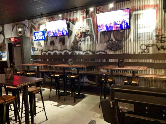 Selling A Long Beach, Los Angeles Area Restaurant - Long Term Lease, Near Convention Ctr