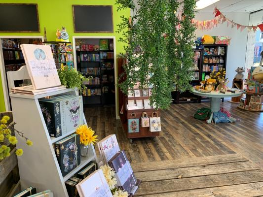 Oakhurst, Madera County Book Store Gift Boutique For Sale