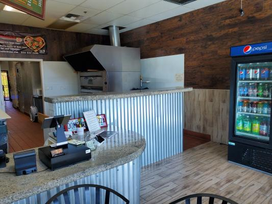 Northeast Fresno Pizza Parlor For Sale