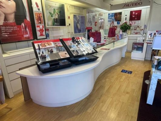 San Mateo County Shiseido Retail And Skin Service Spa For Sale