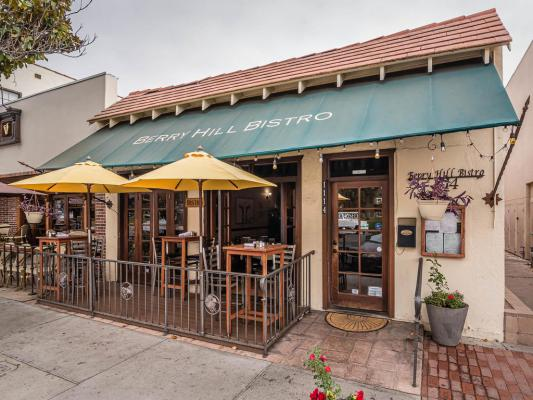 Downtown Paso Robles Restaurant - With Full Liquor License For Sale