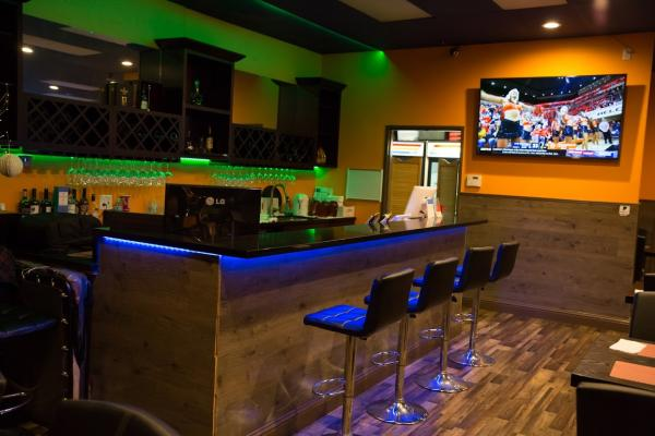 Restaurant And Full Bar Business For Sale