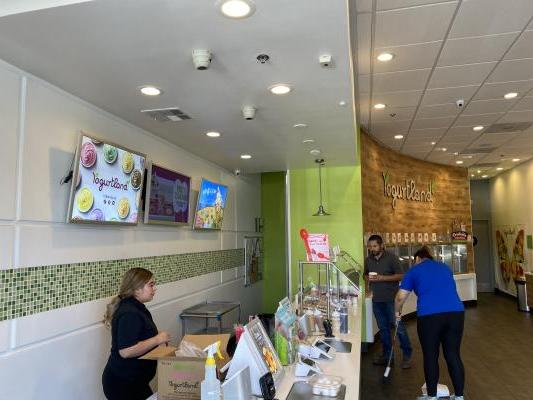 Los Angeles County Yogurtland - Self Serve Yogurt Franchise Store For Sale