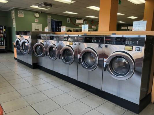 Long Beach, Los Angeles County Coin Laundromat Store For Sale