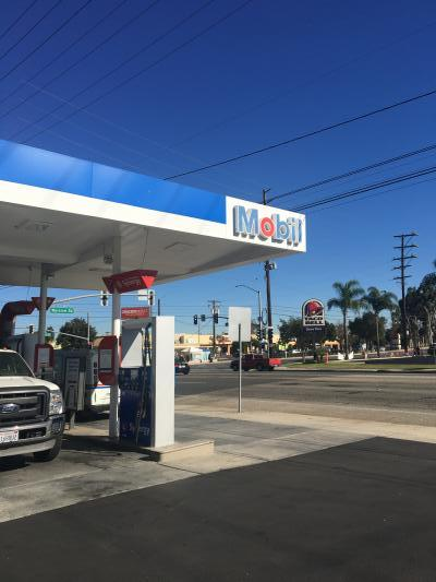 Los Angeles County Mobil Gas Station - Great Area, Corner Location Business For Sale