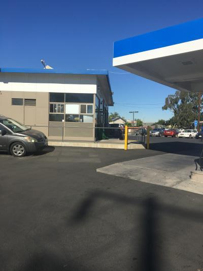 Los Angeles County Mobil Gas Station - Great Area, Corner Location Companies For Sale